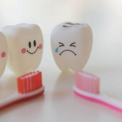 Nejčastější příznaky zubního kazu