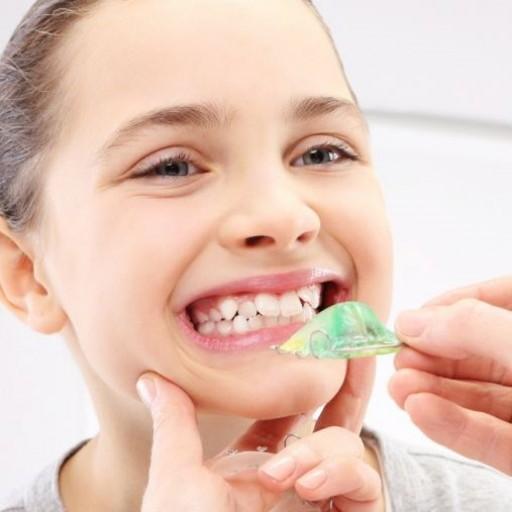 Proč byste neměli ignorovat křivené zuby u dětí?