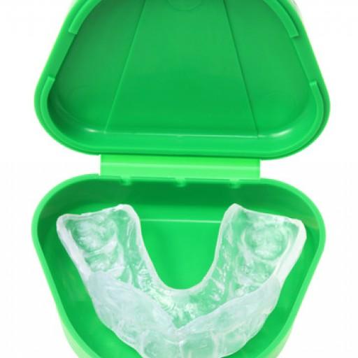 Provozujete kontaktní sporty? Pořiďte si chrániče zubů!